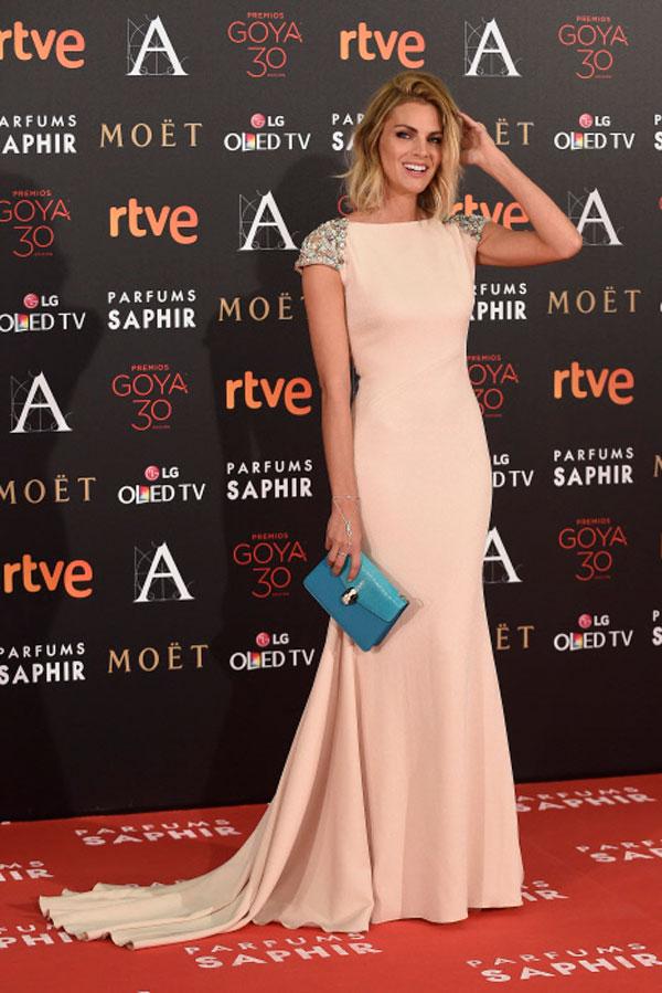 01-Las-mejor-vestidas-de-los-Premios-Goya-2016-amaia